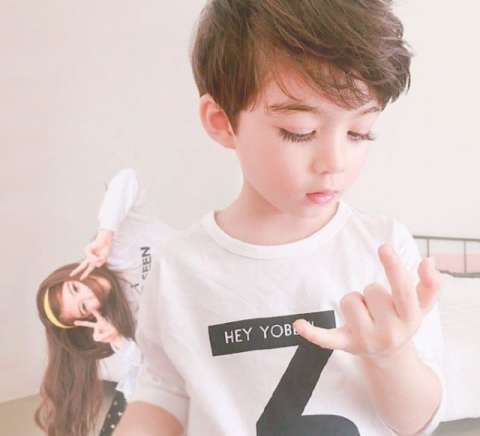 这名可爱又帅气的小男孩叫库柏