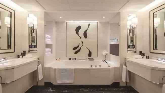 旅游 正文  自1989年开业以来,王府半岛酒店已成为北京奢华饭店的标志