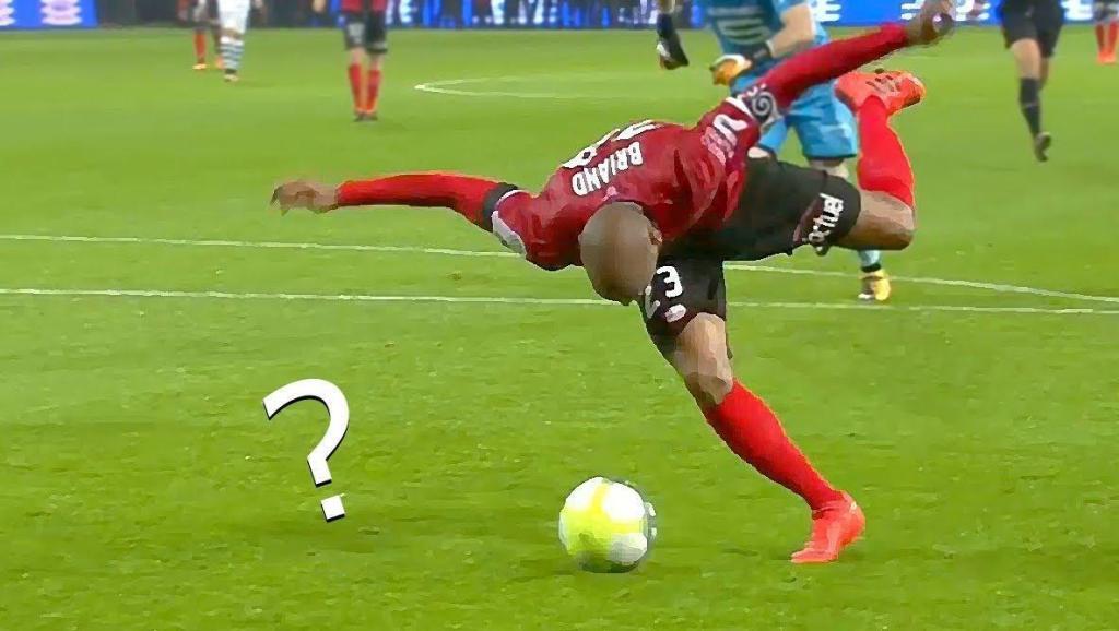 搞笑足球,教练直接疯了,你们确定是来踢球的么?