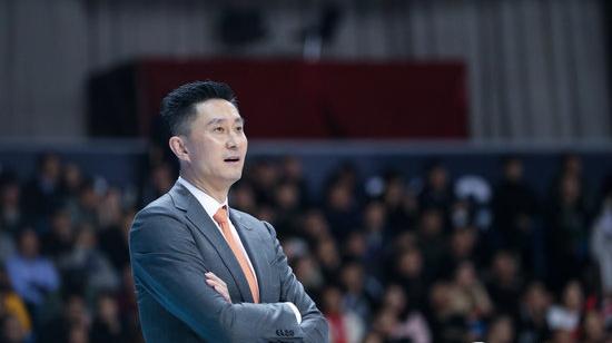 杜锋: 担任男篮主教练不是背锅, 国家需要我就该义无反顾