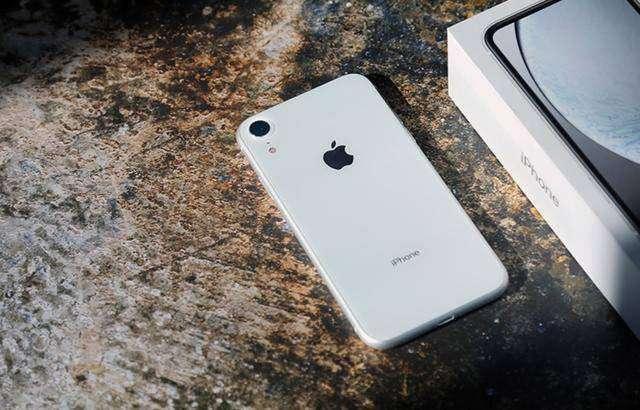 苹果突然关闭  iOS 13 3紧急救场: 电池稳了  信号强了