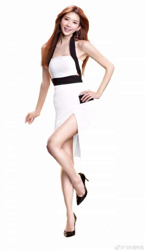 林志玲42岁, 穿搭起来美丽依旧, 女人味十足!