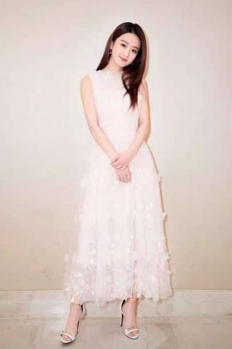 女明星小白裙大pk, 究竟谁穿的最美腻?