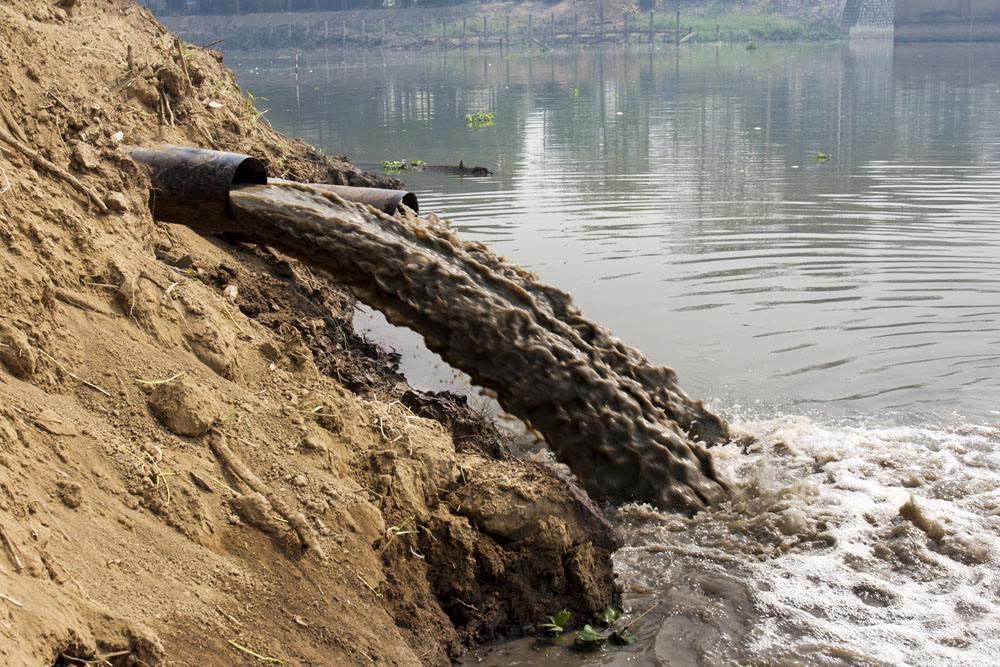环保部严打向坑塘排污违法犯罪 督促地方实施生态修复