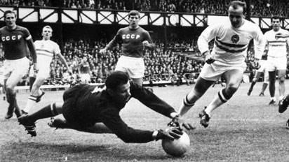 曾经有人评价罗马里奥是马拉多纳后后足坛第一