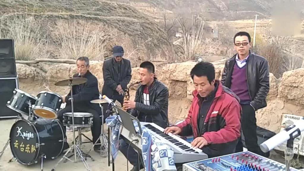 农村唢呐电子琴_哭灵伴奏 哀乐 伴奏 唢呐歌曲串烧伴奏 电子琴伴奏_土豆视频
