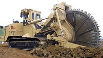 美国制造的卡特彼勒挖沟机!分分钟能挖出几米深的沟