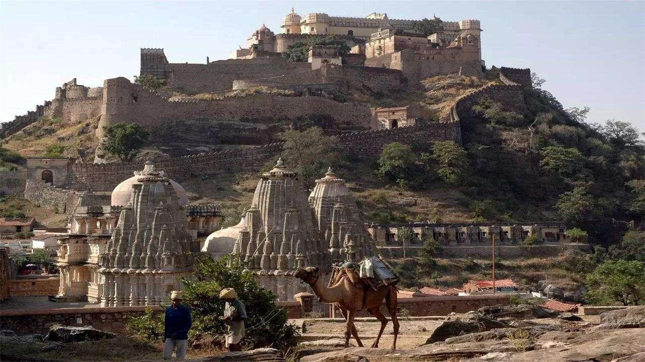 印度长城曾扬言超越中国长城, 耗时近百年后, 现在怎么样了