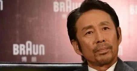 41岁最美女演员患癌去世, 撇下2岁儿子, 陈道明在她葬礼大哭