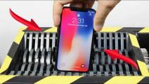 iPhone手机有多硬,能抵挡住粉碎机吗?场面太壮观