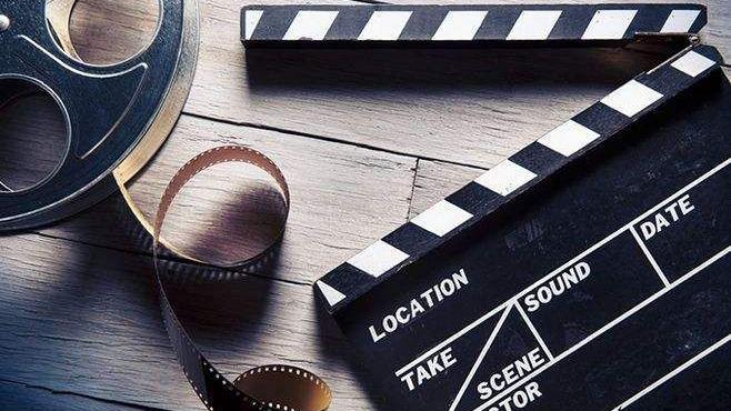 我沒有錢, 但是我要做導演, 拍一部國際大片, 你信嗎?