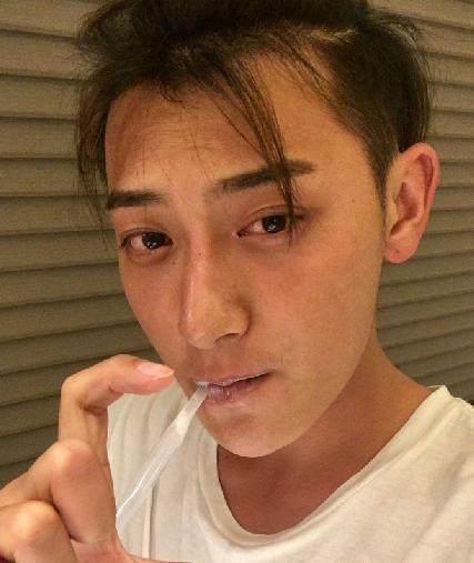 男明星素颜照, 李易峰帅气依旧, 王俊凯也太丑了吧