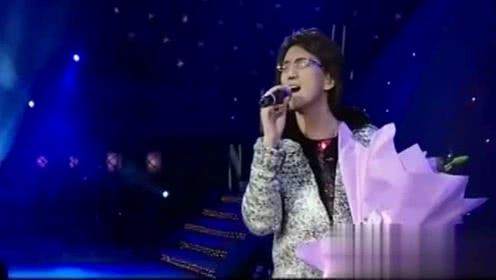 林志炫一首《单身情歌》为了爱孤军奋斗 想爱就别怕伤痛