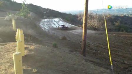 兰博基尼和奥迪S3的四驱差别也太大了, 开到泥泞的土路就看出来了