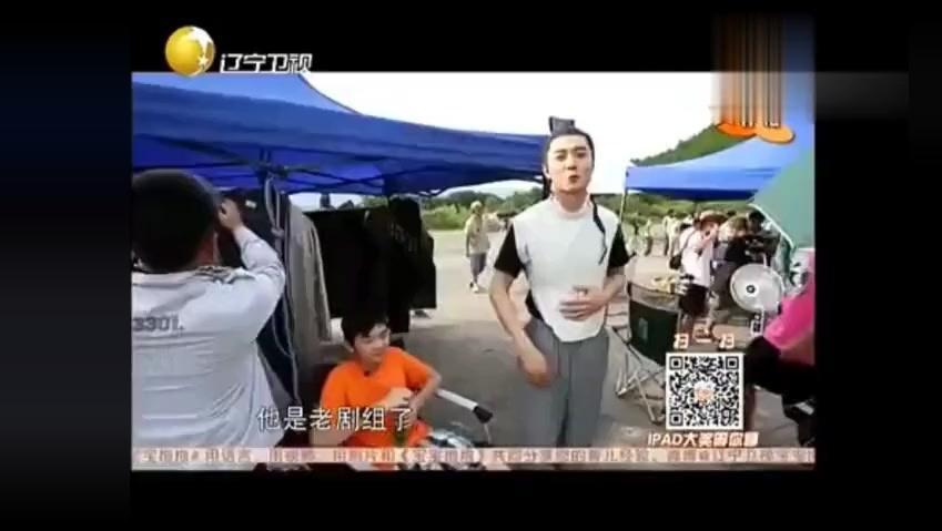 洪欣探班张丹峰,儿子竟然更黏爸爸,是亲生的?