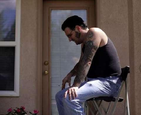美国黑社会头目为家庭洗掉纹身, 从此变身好男人 10