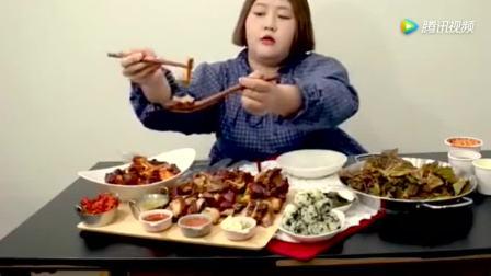 大胃王胖妹杨慧吃猪蹄+荞麦面+饭团