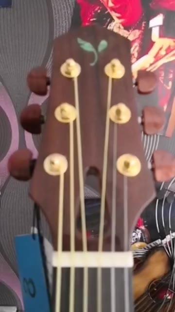 41寸吉他适合初学者 音色非常好有需要的加主页微 晚上20点直播 来得了