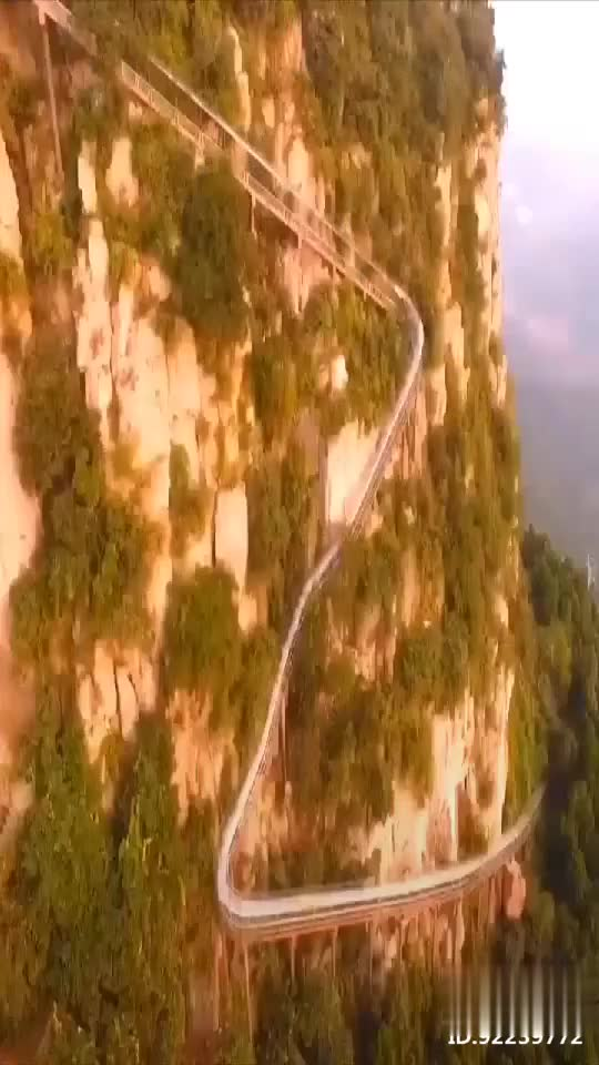 中国最刺激的玻璃滑道
