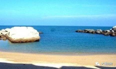 莆田有三大湾,分别是湄洲湾,平海湾,兴化湾;主要半岛有埭头(平海)半岛