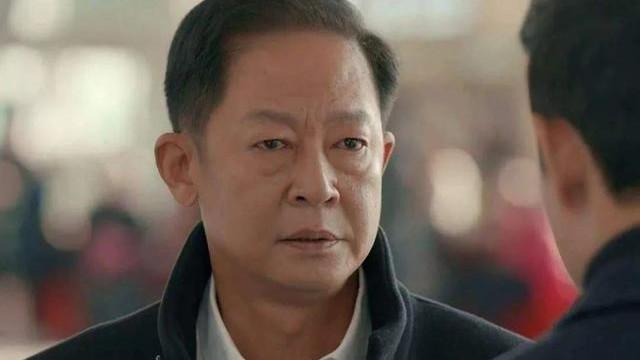 没想到,31岁女导演,带着28岁王志文26岁何冰,救了一座厂