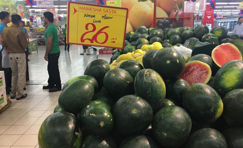 巴基斯坦的物价有多低?1元钱就能买一大盒薯