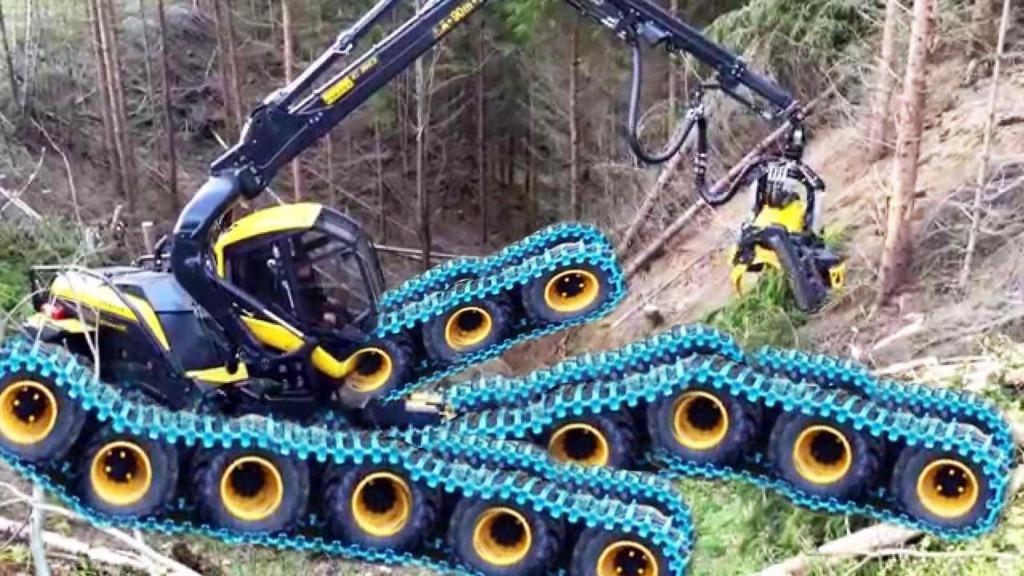 看看这大型移动式锯木机,树木砍下来立马就可以成材了
