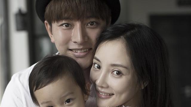 娛評人吳清功:賈乃亮新作殺青笑容燦爛,走出與李小璐離婚的陰影