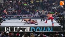 WWE有史以来最多大咖巨星一次大乱斗: 葬爷凯恩强森齐上阵
