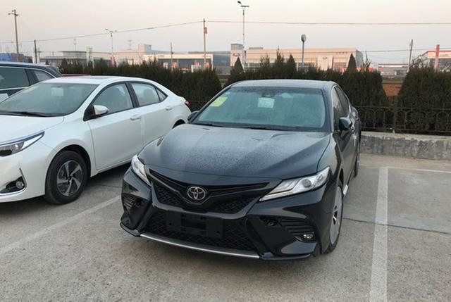 2018款丰田凯美瑞全国首例投诉, 倒车刹车时出现异响!