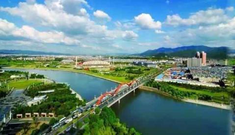 点击加载图片 玩:冯雪峰故居,华溪森林公园,娄山塘风景区,滴水岩