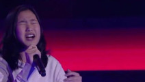 牛!中国女孩参加外国选秀节目,刚唱一句就获得导师转身