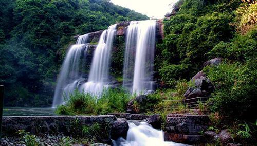 广东特别的4个县, 是撤县设区之地, 其中有1个百强县