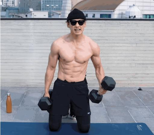 38岁亚洲舞王RAIN教你用8个动作循环练出一身结实肌肉!