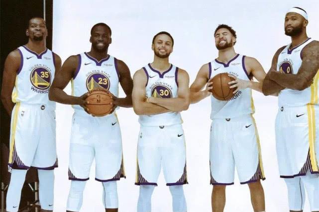 那如果主力均在巅峰期,大家认为这四支球队巅峰谁最强呢,五星勇士或遭这几队吊打(图1)