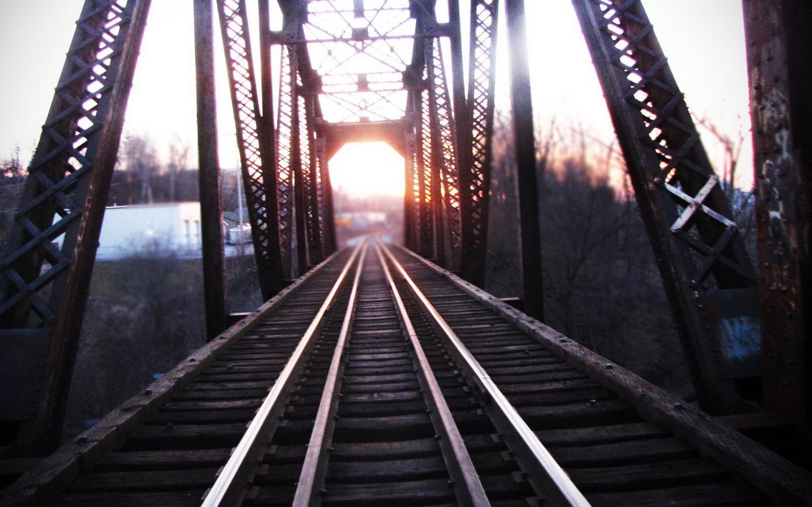 铁路改革加速 三大龙头公司或崭露头角