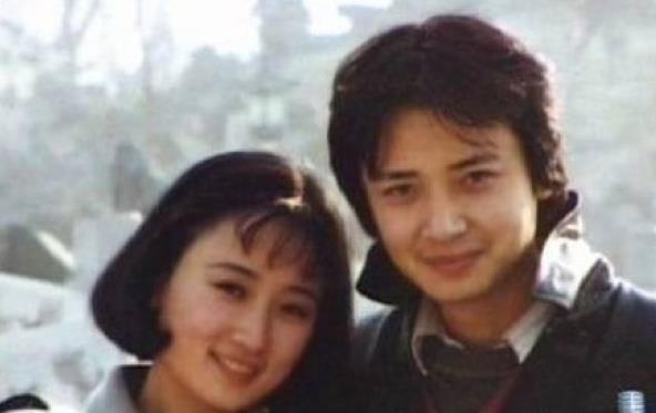 """红楼梦最帅""""柳湘莲""""侯长荣全家近照, 与美妻恩爱30年"""
