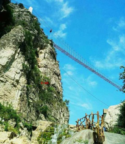 """葫芦岛新建的玻璃索桥与玻璃栈道都在""""十一""""前竣工开放, 建昌人先睹为"""