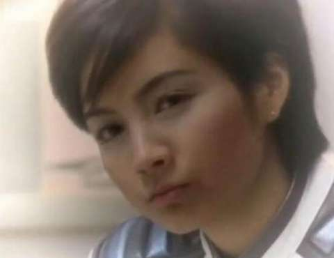 七濑丽娜由吉本多香美饰演,在《迪迦奥特曼》中是guts的王牌飞行员.