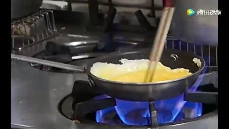 日本大厨烹饪蛋包饭大秀厨艺, 煎蛋堪称完美