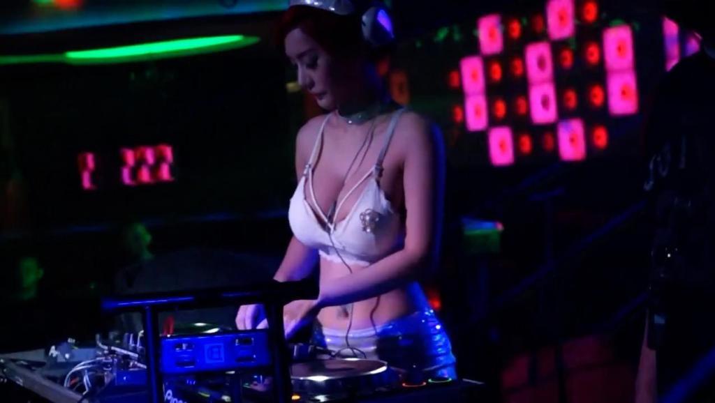 乐听吧DJ舞曲: 黄英《映山红》最美的就是这首了