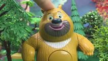 熊出没熊大学杂技走钢丝摔跤
