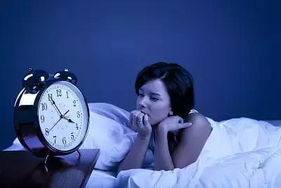 长期23点以后睡觉, 小心这几个地方先坏! 补再多觉也没有用!