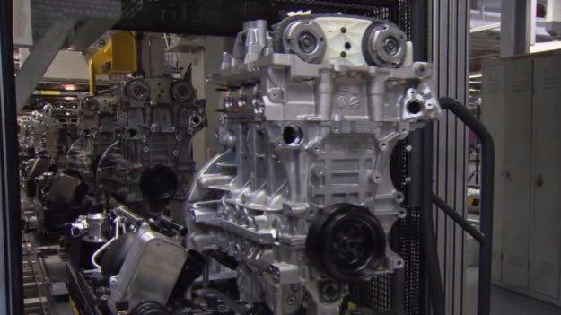 实拍宝马n20发动机组装过程
