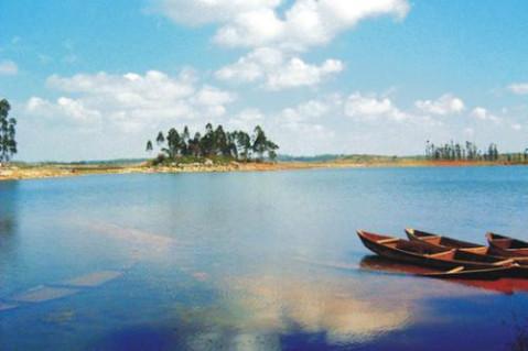 通海秀山公园,位于云南玉溪市通海县城南隅,是玉溪地区重要风景区之
