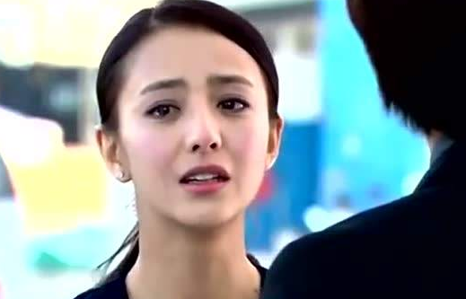 佟丽娅说自己全班最丑, 班级照曝光后, 网友: 都是神仙颜值
