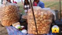 印度街头奇葩食物,出锅一会就被卖完,但是我看着一点食欲没有!