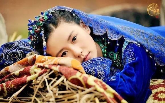 古装剧里的蓝衣女子: 赵丽颖杨幂灵气娜扎丑