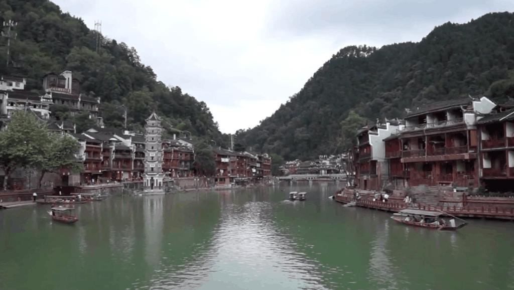 中国最尴尬的一个景区,刚开始人山人海,免费开放就无人问津