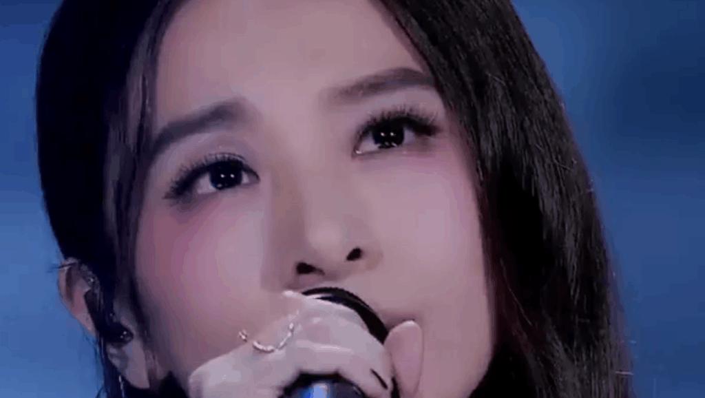 田馥甄翻唱薛之谦神曲《演员》惊艳众人,让林俊杰表情亮了